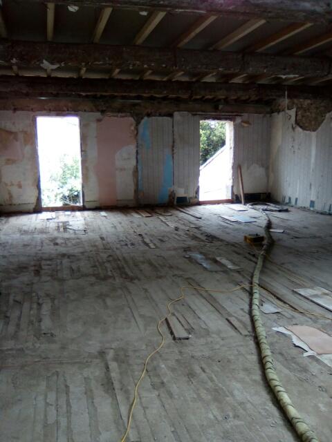 renovation d 39 une maison de village cournonterral montpellier eurochape. Black Bedroom Furniture Sets. Home Design Ideas